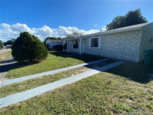 Photo of 870 NE 178 TE, North Miami Beach, FL 33162 (MLS # A10975707)