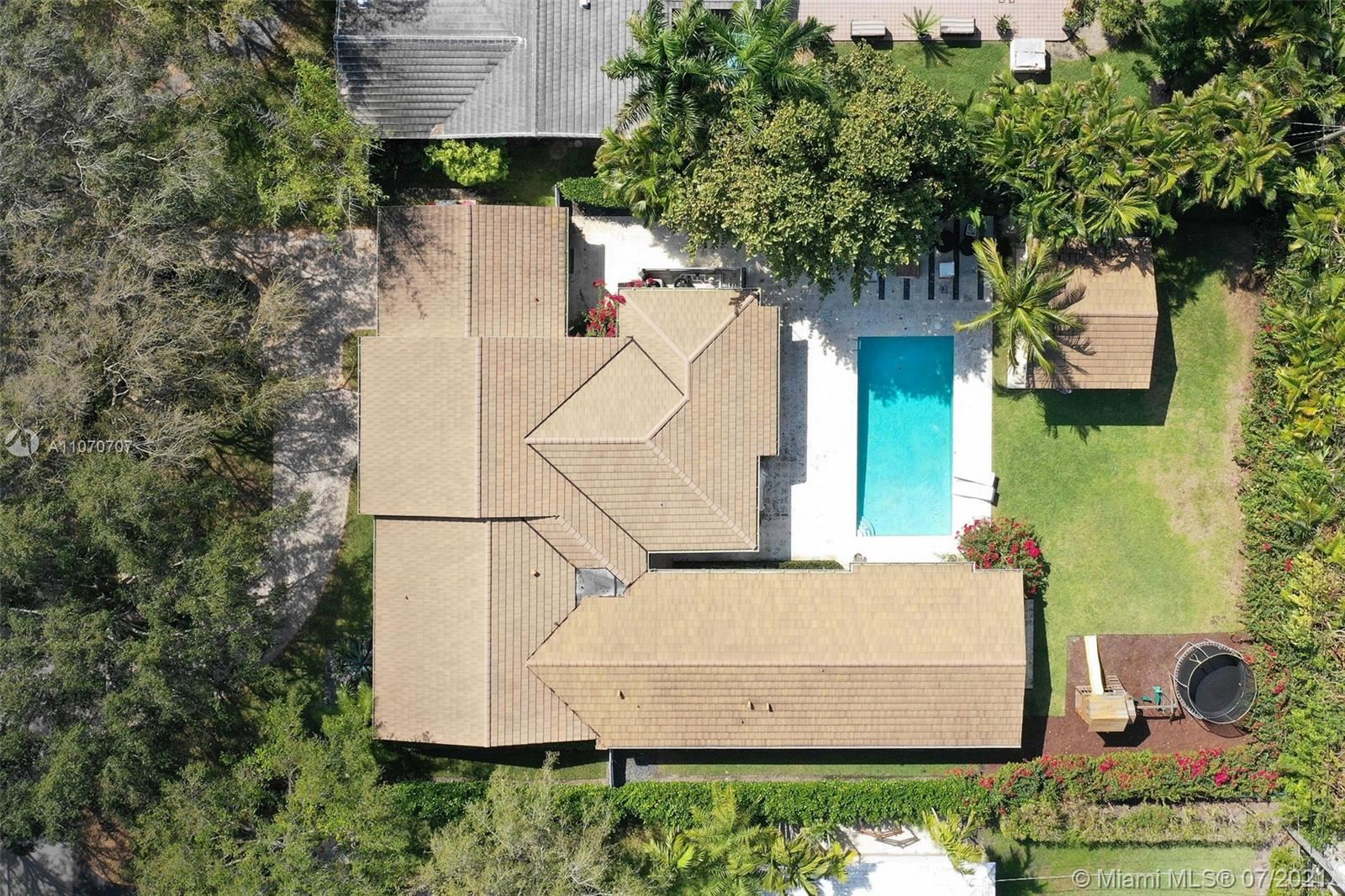 Photo of 719 Paradiso Ave, Coral Gables, FL 33146 (MLS # A11070707)
