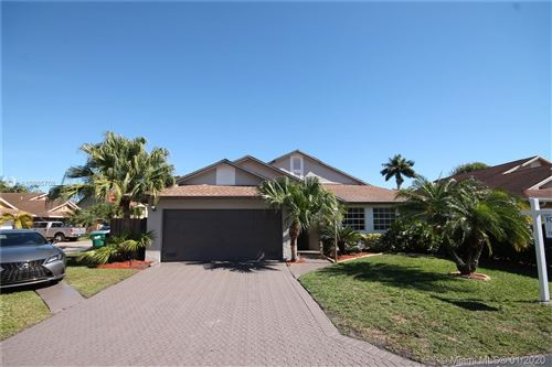 Photo of Listing MLS a10805708 in 19159 NW 77th Pl Hialeah FL 33015