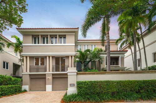 Photo of 3515 Bayshore Villas Dr, Miami, FL 33133 (MLS # A10790711)
