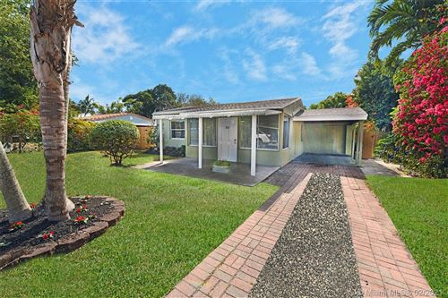 Photo of 1250 SW 29th St, Fort Lauderdale, FL 33315 (MLS # A10988712)