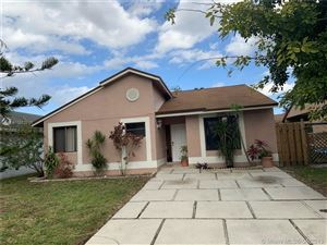 Photo of 1111 SW 112th Ave, Pembroke Pines, FL 33025 (MLS # A10552713)