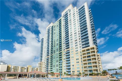 Photo of 90 Alton Rd #1907, Miami Beach, FL 33139 (MLS # A10876714)