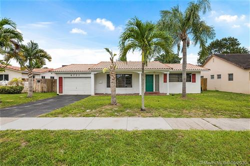 Photo of Listing MLS a10858716 in 4721 Lincoln St Hollywood FL 33021