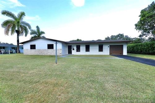 Photo of Listing MLS a10889716 in 15735 SW 89th Ave Palmetto Bay FL 33157