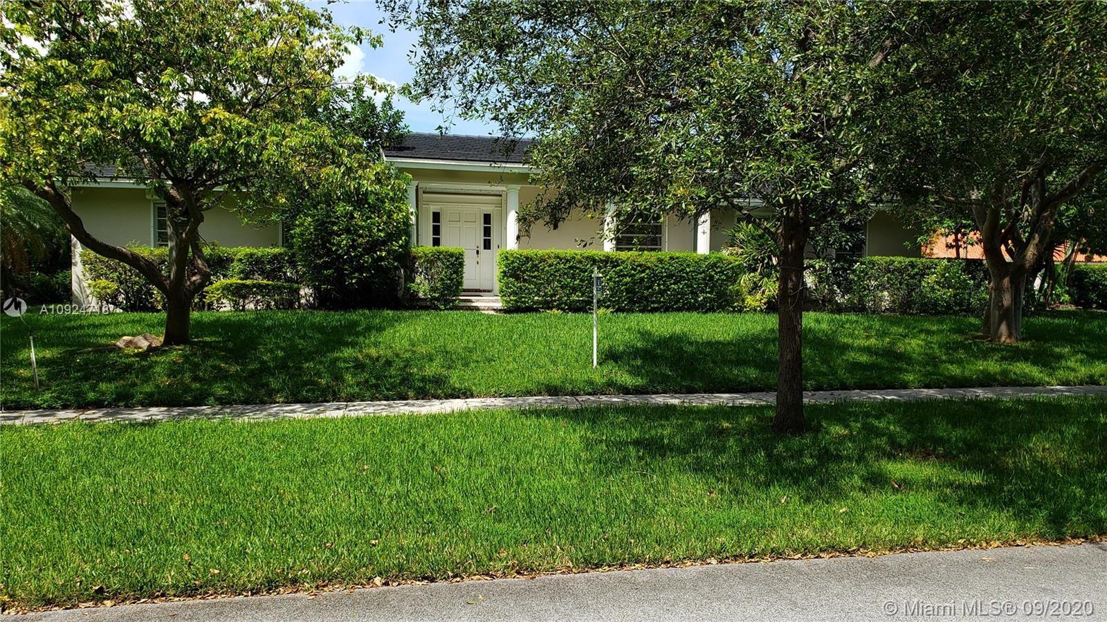 8221 SW 176th St, Palmetto Bay, FL 33157 - #: A10924718