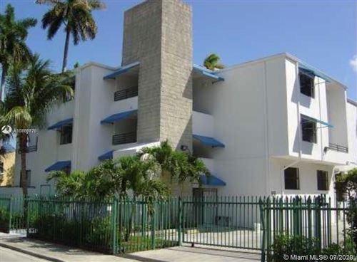 Foto de inmueble con direccion 950 NW 11th St #3D Miami FL 33136 con MLS A10889720