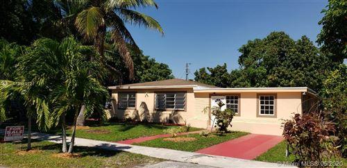 Photo of Listing MLS a10810721 in 415 NE 157th St Miami FL 33162