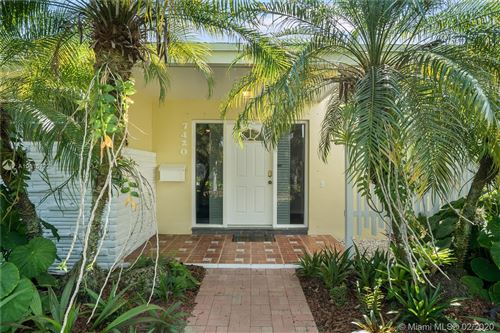 Photo of 7420 SW 130th St, Pinecrest, FL 33156 (MLS # A10815722)