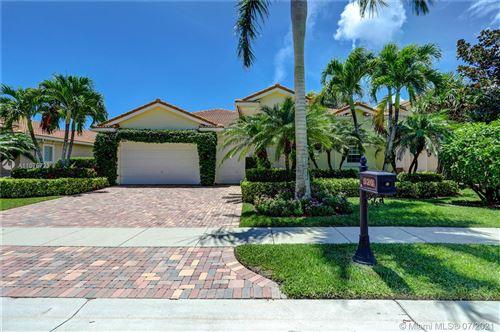 Photo of 520 Les Jardin Dr, Palm Beach Gardens, FL 33410 (MLS # A11075723)