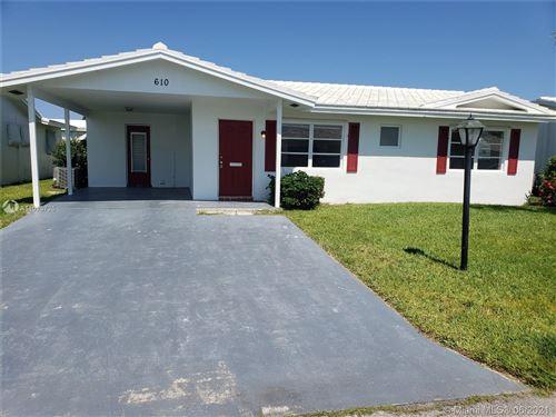 Photo of 610 SW Golf Dr, Boynton Beach, FL 33426 (MLS # A11025725)
