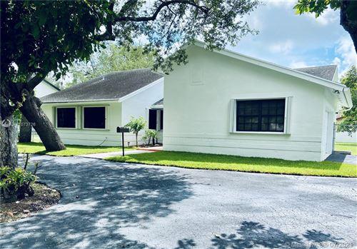 Photo of 15221 SW 89th Ave, Palmetto Bay, FL 33157 (MLS # A11073726)