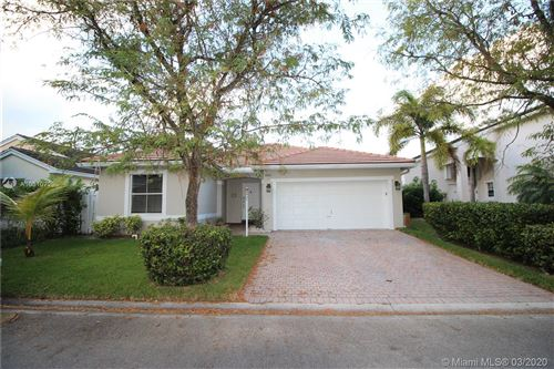 Photo of Listing MLS a10810729 in 3331 SW 51st St Hollywood FL 33312
