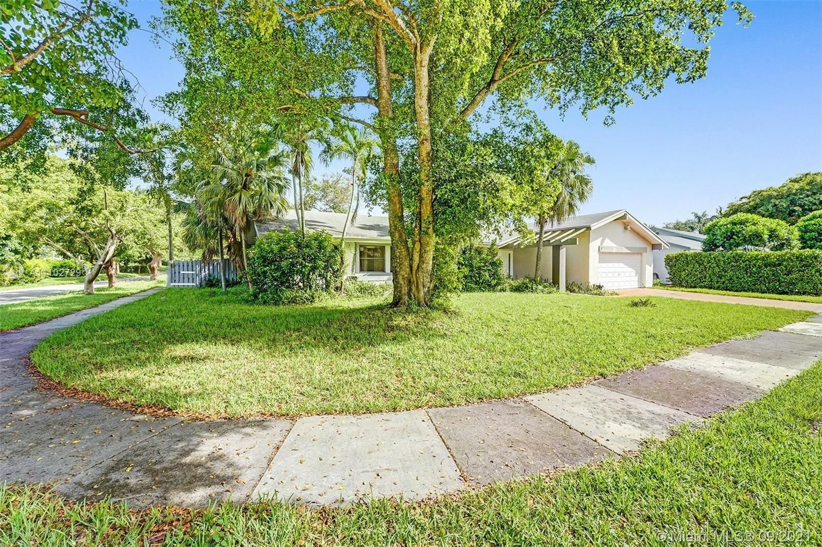 11621 SW 105th Ter, Miami, FL 33176 - #: A11102729