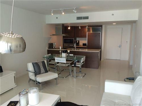 Foto de inmueble con direccion 485 Brickell Ave #2207 Miami FL 33131 con MLS A10774730