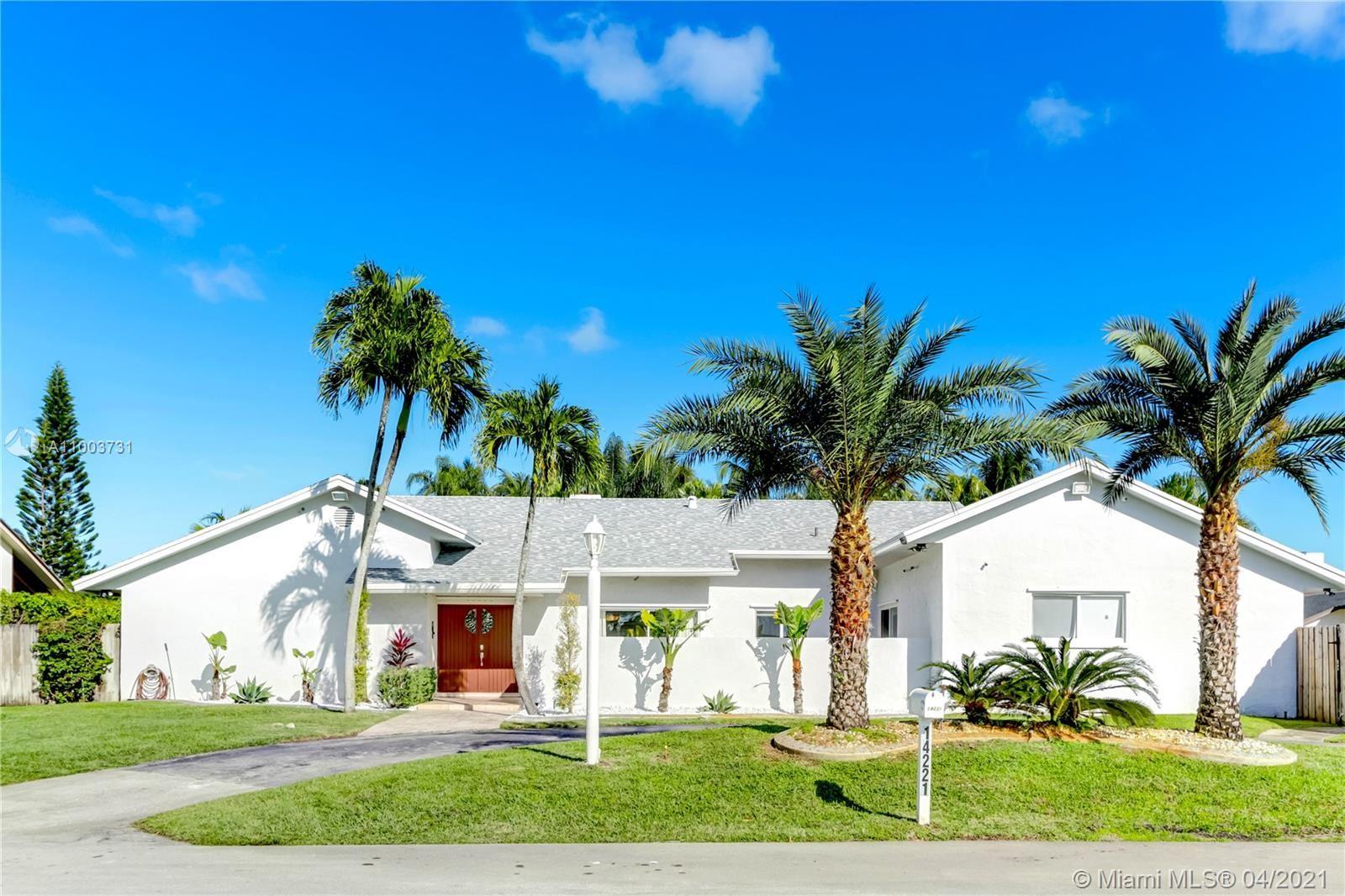 14221 SW 104th Ave, Miami, FL 33176 - #: A11003731