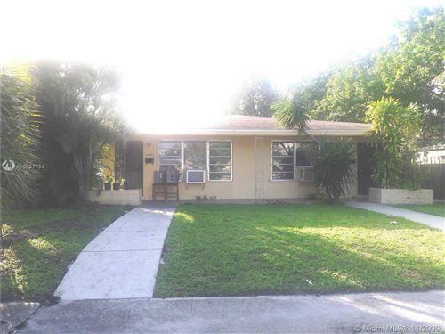 Photo of 16980 NE 21st Ave, North Miami Beach, FL 33162 (MLS # A10957734)