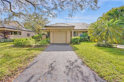 Photo of Listing MLS a10808735 in 9220 Chelsea Dr N Plantation FL 33324