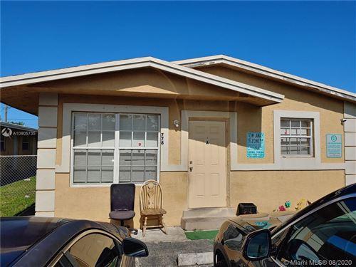 Foto de inmueble con direccion 778 SW 2nd Ave Deerfield Beach FL 33441 con MLS A10905735