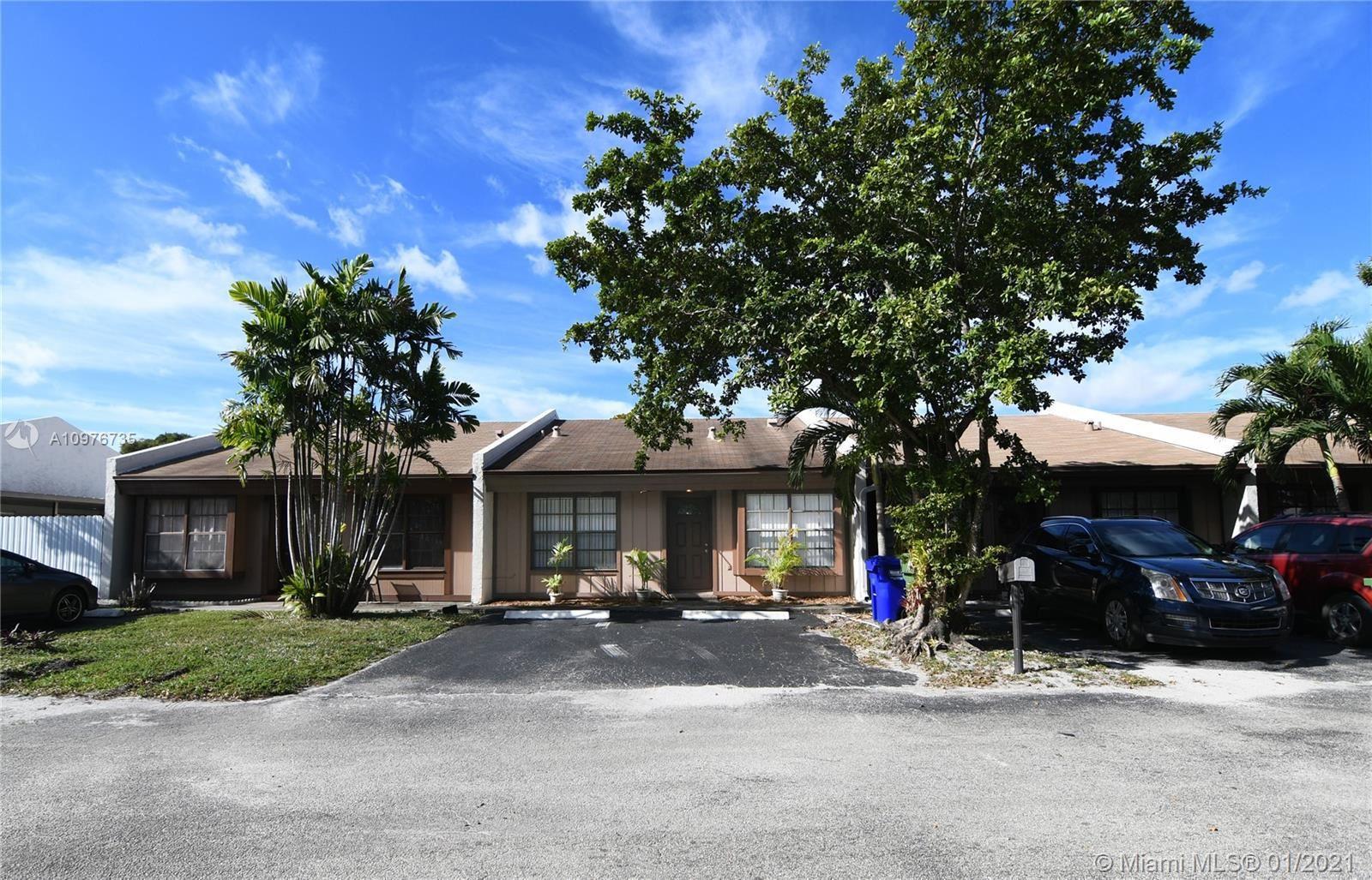 2022 NW 89 Ave, Pembroke Pines, FL 33024 - #: A10976735