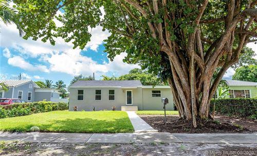 Foto de inmueble con direccion 232 Carlisle Dr Miami Springs FL 33166 con MLS A10920736