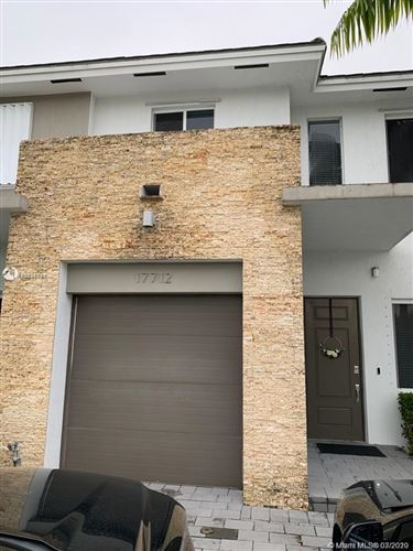 Foto de inmueble con direccion 17712 SW 149th Pl #17712 Miami FL 33187 con MLS A10826737