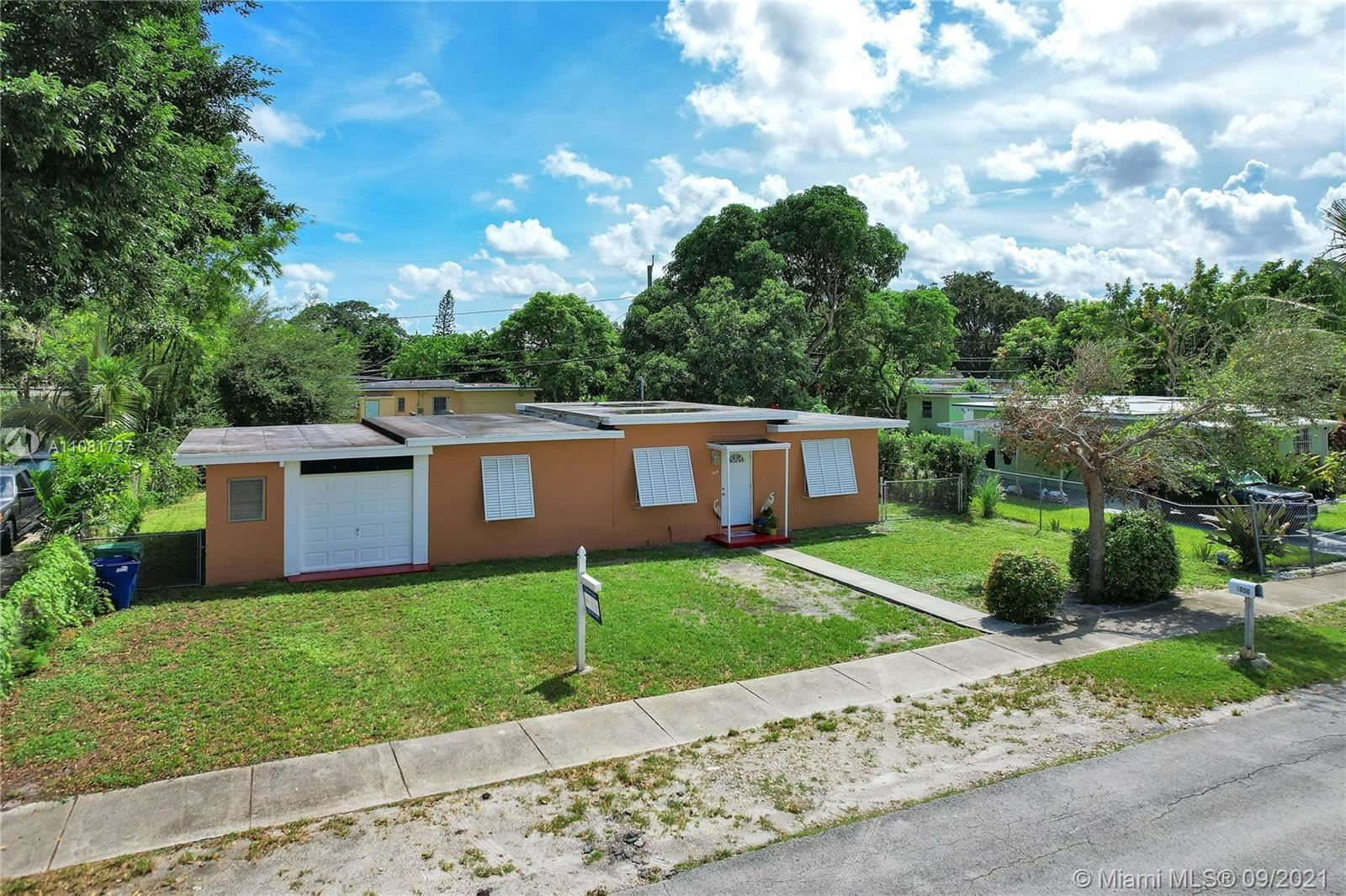 1050 NW 142nd St, Miami, FL 33168 - #: A11081737