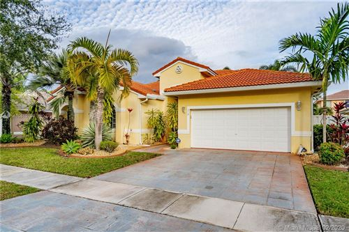 Photo of Listing MLS a10810739 in 319 SW 185th Way Pembroke Pines FL 33029