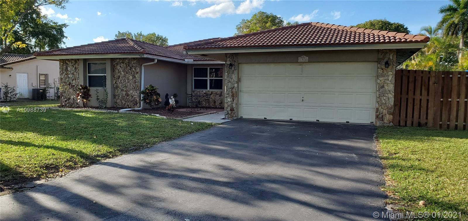 1928 NW 108th Ln, Coral Springs, FL 33071 - #: A10988739