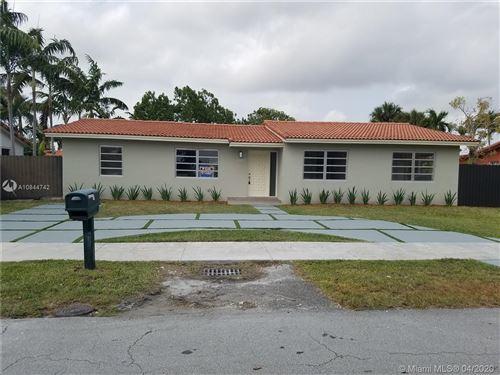 Photo of 10273 SW 28th St, Miami, FL 33165 (MLS # A10844742)