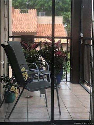 Foto de inmueble con direccion 470 W Park Dr #201 Miami FL 33172 con MLS A10859742