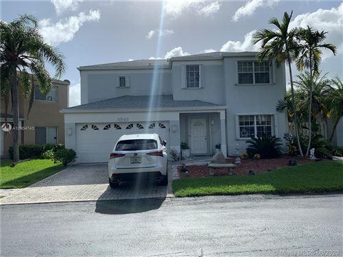 Foto de inmueble con direccion 9849 SW 221st St Cutler Bay FL 33190 con MLS A10904743