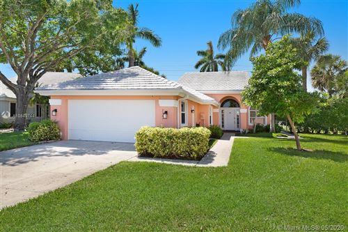 Photo of Listing MLS a10849744 in 2341 Cypress Tree Cir West Palm Beach FL 33409
