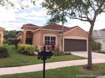 Photo of 793 Tanglewood Cir, Weston, FL 33327 (MLS # A10807746)