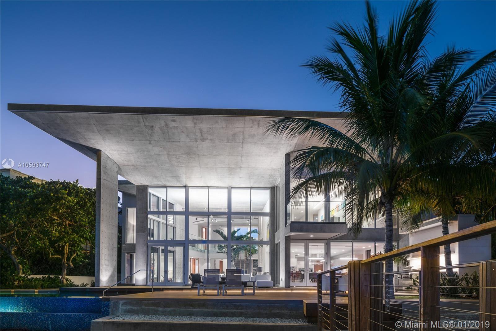 Photo 32 of Listing MLS a10593747 in 35 E Dilido Dr Miami Beach FL 33139