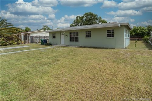 Photo of Listing MLS a10883750 in 4371 NW 201st Ter Miami Gardens FL 33055