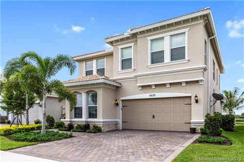Photo of 4658 Greenway Dr, Hollywood, FL 33021 (MLS # A10728753)