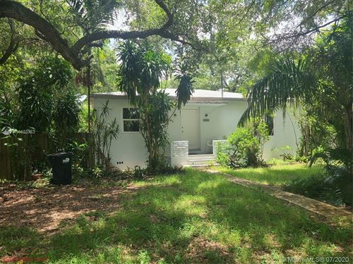 Photo of Listing MLS a10885753 in 5739 SW 58th Ter Miami FL 33143