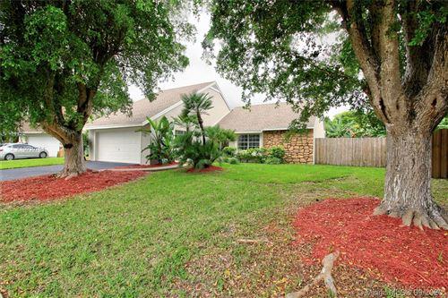 Photo of 1551 N Goldeneye Ln, Homestead, FL 33035 (MLS # A10930754)