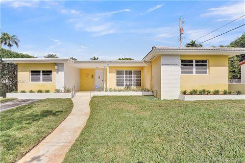 Photo of 425 W 44th St, Miami Beach, FL 33140 (MLS # A10815755)