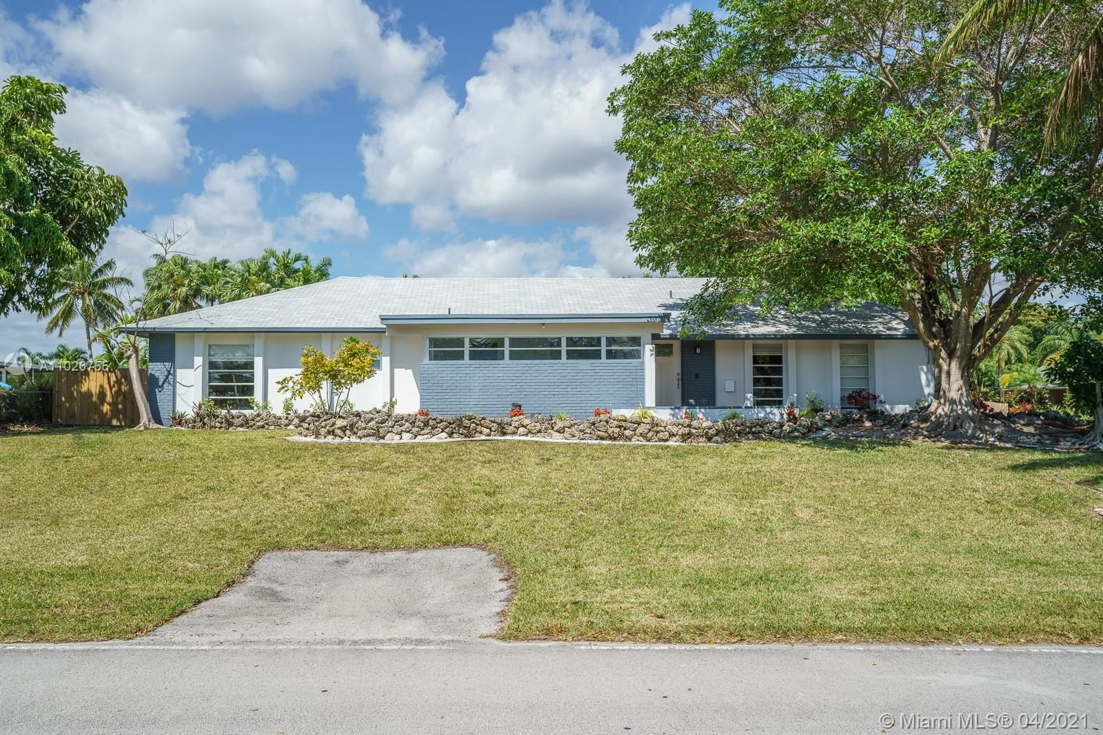 18452 SW 88th Pl, Cutler Bay, FL 33157 - #: A11026755