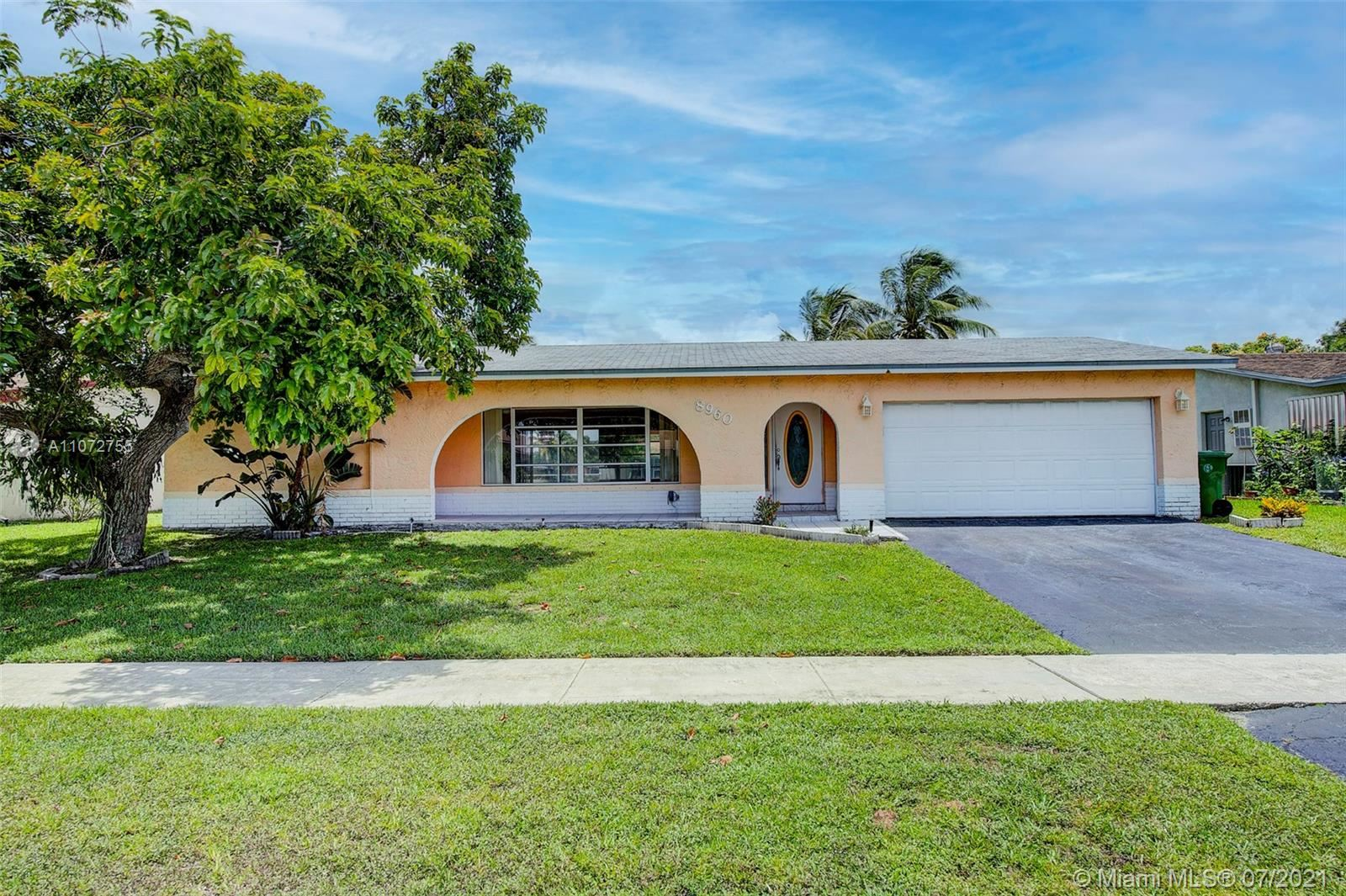 8960 NW 7th Ct, Pembroke Pines, FL 33024 - #: A11072755