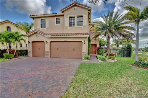 Photo of 7400 NW 111th Way, Parkland, FL 33076 (MLS # A10838756)