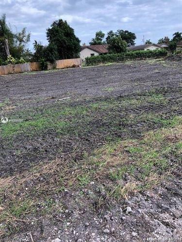 Foto de inmueble con direccion 11561 NW 27th St Plantation FL 33323 con MLS A10701757