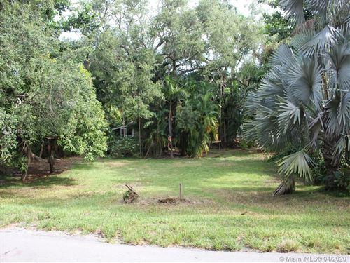 Foto de inmueble con direccion 3585 Palmetto Ave Miami FL 33133 con MLS A10851757
