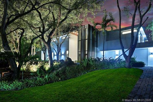 Foto de inmueble con direccion 12220 Rock Garden Ln Pinecrest FL 33156 con MLS A10805758