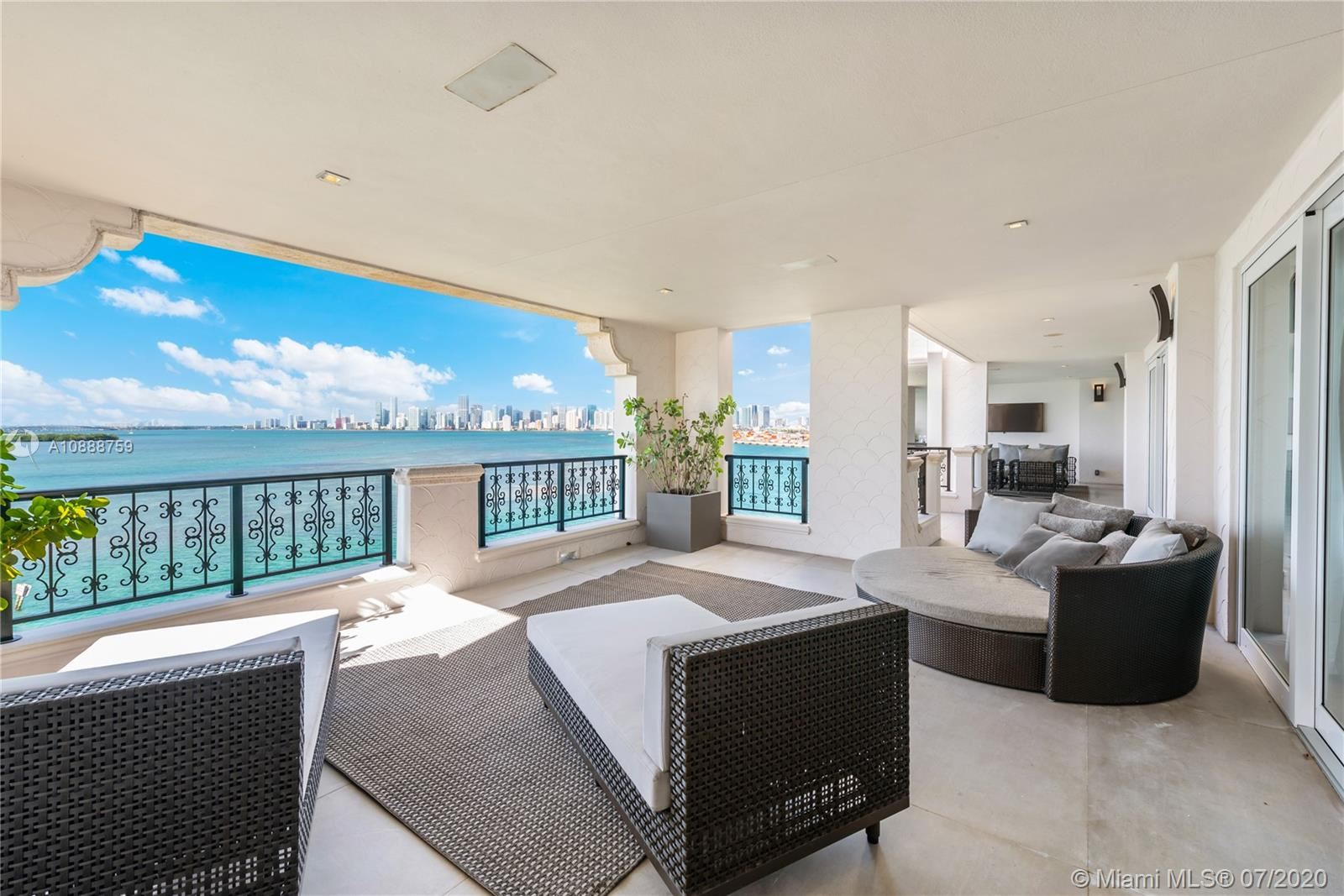 Photo 2 of Listing MLS a10888759 in 5282 Fisher Island Dr #5282 Miami FL 33109