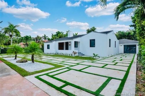 Photo of 841 Granada Groves Ct, Coral Gables, FL 33134 (MLS # A10933761)