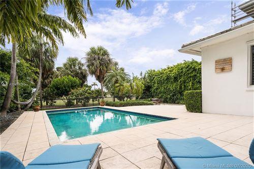 Foto de inmueble con direccion 5456 La Gorce Dr Miami Beach FL 33140 con MLS A10878763