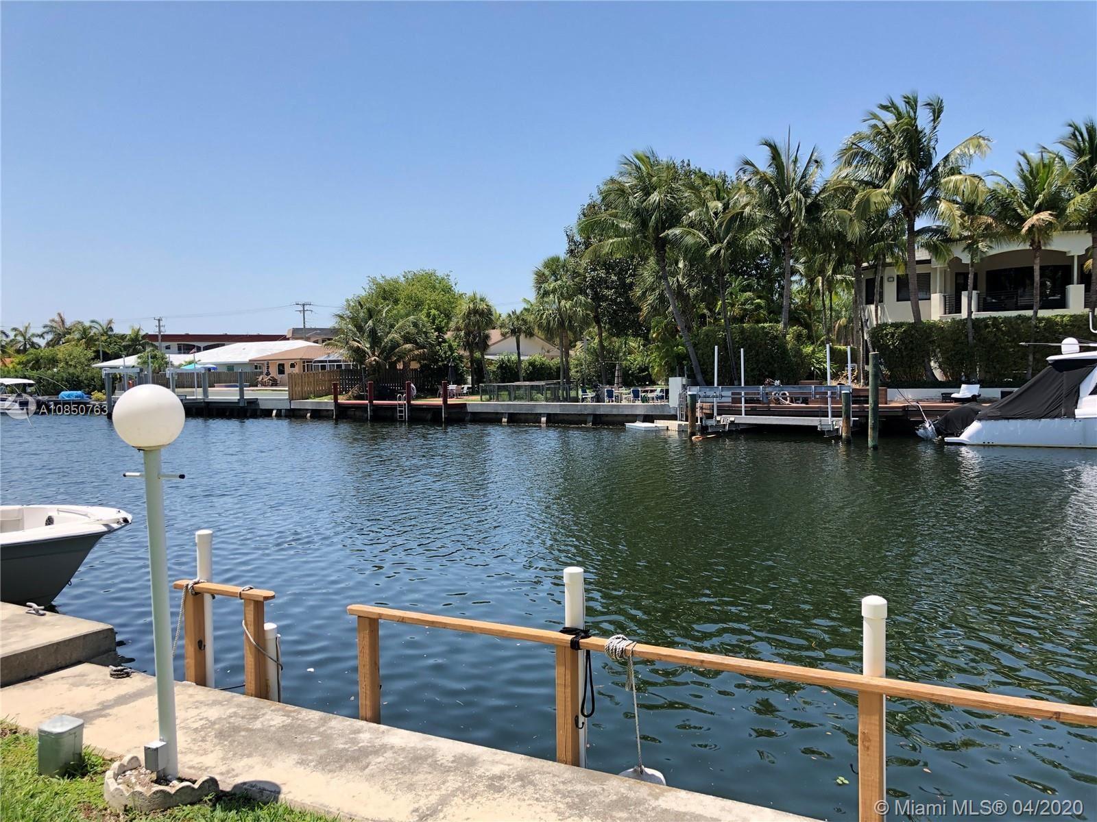 460 Paradise Isle Blvd #104, Hallandale Beach, FL 33009 - #: A10850763